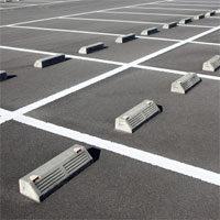 無断駐車を法律で解決する具体策を解説。罰金警告や警察への通報は役に立たない。